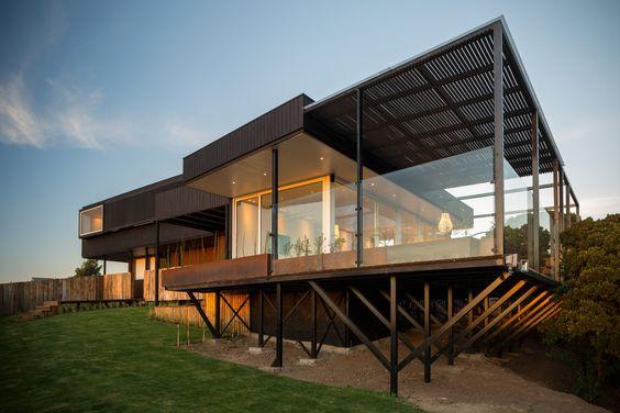 Casa con techo de estructura metalica